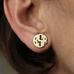 Like a stamp of your personality, these custom earrings have a unique ability to make any look pop a little harder. Whether it's high fashion or street wear, these pressed monogram earrings add a powerful piece of detail to your style. Name Earrings, Monogram Earrings, Initial Earrings, Monogram Jewelry, Custom Earrings, Personalized Jewelry, Custom Jewelry, Bling Jewelry, Beaded Jewelry