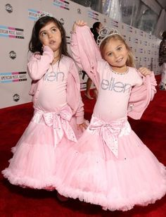 sophia-grace and rosie-2011-american-music-awards-