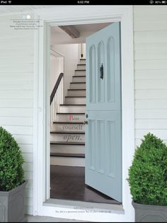 Beautiful front door color, one of the new #colonialwilliamsburg colors by @Benjamin Moore