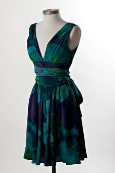 Halston Heritage Printed V Neck Dress in color Midnight