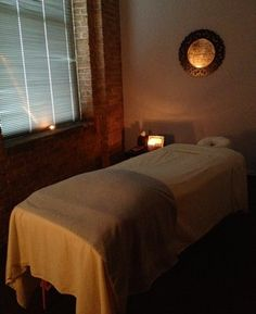 Really like this calming atmosphere.. #massageroomidea