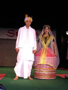 Traditional Dress of Manipur Couple Wedding Dress, Wedding Couples, Traditional Dresses, Traditional Weddings, Gypsy Style, Boho Gypsy, Desi Wedding, Indian Designer Outfits, Pakistani Bridal