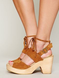 Free People Dover Suede Clog http://www.freepeople.com/whats-new/dover-suede-clog/