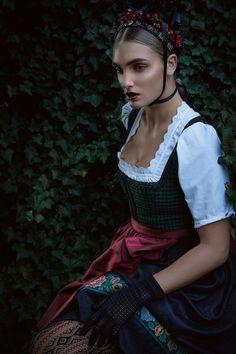 Stil in Nürnberg | Stilberatung | Farbberatung | Identity Styling - Lena Hoschek Tradition Dirndl Philomena