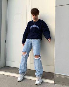 Mens Casual Dress Outfits, Summer Outfits Men, Stylish Mens Outfits, Retro Outfits, Blue Jeans Outfit Men, Trendy Mens Fashion, Teenage Boy Fashion, New Mode, Modelos Fashion