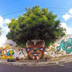 Mirando al mundo con sentimientos: Arte callejero que interactúa con la naturaleza