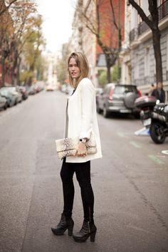 Streetstyle en eventos de navidad: levita blanca
