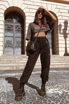 Street Style Outfits, Urban Style Outfits, Teen Fashion Outfits, Retro Outfits, Look Fashion, Stylish Outfits, Urban Style Clothing, Outfit Styles, Dress Up Outfits
