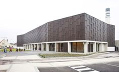 Calais Sporthall / RemingtonStyle