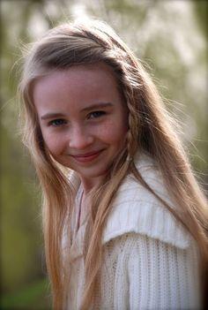 Sabrina Carpenter when she's younger