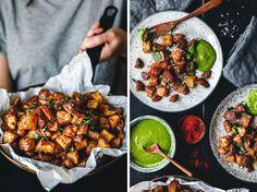 Super-knusprige, gebackene Patatas Bravas mit Mojo Verde