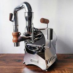Espresso Maker, Espresso Machine, Coffee Cafe, Coffee Shop, Coffee Equipment, Coffee Health Benefits, Great Coffee, Cute Phone Cases, Chocolate Coffee
