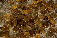 bogota ... casa de la moneda ... first gold mint in the americas mon-sun: 9-7 tues: closed sun+holi: 10-5 ... calle 11 #4-93