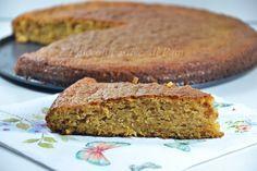 La torta con zucca e amaretti è un dolce molto goloso, provare per credere! Vi assicuro che l'accoppiata zucca e amaretti è molto deliziosa. Allora la prepariamo insieme?