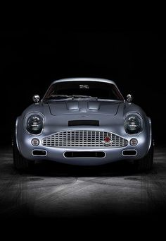 Visit The MACHINE Shop Café... ❤ The Best of Aston Martin... ❤ (Aston Martin DB4 GT Zagato) Luxury Sports Cars, Classic Sports Cars, Sport Cars, Classic Cars, Sport Sport, Classic Style, Lamborghini, Porsche, Jaguar