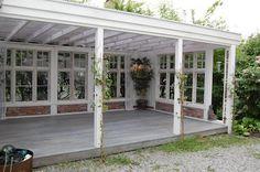CHÂTEAU DE KONSTANSE Outdoor Spaces, Outdoor Living, Outdoor Decor, Farmhouse Sheds, Outdoor Shelters, Building A Pergola, House Deck, She Sheds, Back Patio