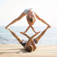 #yoga #yogainspiration #yogalife #yogaeverydamnday #yogagoals #yogalove #yogapants #yogagirl #acroyoga