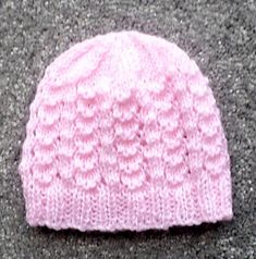 Ravelry: Premature Baby Hats pattern by Esther Kate Baby Mittens Knitting Pattern, Baby Hats Knitting, Baby Knitting Patterns, Knitted Hats, Crochet Preemie Hats, Newborn Knit Hat, Baby Hut, Baby Baby, Baby Hat Patterns