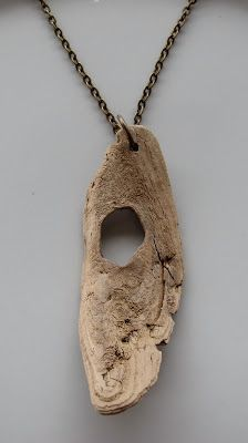 Finding My Kd: Driftwood necklaces