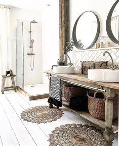 Rustic bathroom interior with wooden accessories and painted white feet . - Rustic bathroom interior with wooden accessories and painted white floorboards - Bad Inspiration, Bathroom Inspiration, Bathroom Ideas, Bathroom Vanities, Modern Bathroom, Master Bathroom, Bathroom Designs, Small Bathroom, Minimalist Bathroom