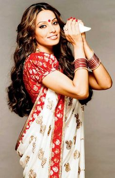 Bipasha Basu a famous name in Indian cinema. She acted number of Bollywood films as well as bengali and some South Indian films. People als. Bengali Wedding, Bengali Bride, Traditional Sarees, Traditional Looks, Bollywood Fashion, Bollywood Actress, Bollywood Saree, Bengali Saree, Sabyasachi Sarees