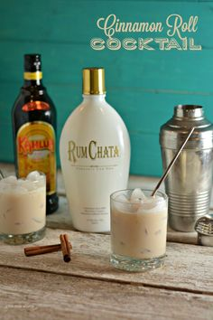 Cinnamon Roll Cocktail - WomansDay.com Rumchata Cocktails, Kahula Drinks, Martinis, Drinks With Kahlua, Vanilla Vodka Drinks, Vodka Martini, Kahlua Shots, Rumchata Shots, Rumchata Recipes Shots