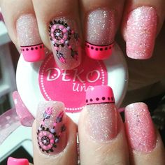 Resultado de imagen para uñas decoradas con mandalas Coffin Nails, Acrylic Nails, Hair And Nails, My Nails, Country Nails, French Tip Nails, Pedicure Nails, Stylish Nails, My Beauty