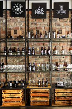 Mad: Bodega Cervecera cuenta además con cristalería, polos y gorras de tus marcas de cerveza favoritas.