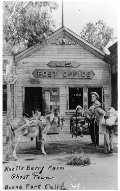Good old days at Knotts Berry Farm~ loved those days! Vintage Pictures, Old Pictures, Old Photos, California History, Vintage California, California Usa, Tarzan, Knotts Berry, Old Post Office