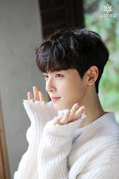 ∗ˈ‧₊°astro ∗ˈ‧₊° ❤️ Cha Eun Woo / 차은우 ❤️❣️ ❤️ Cute Korean Boys, Cute Boys, Asian Actors, Korean Actors, Suho, Boys In Groove, Kim Myungjun, F4 Boys Over Flowers, Park Jin Woo