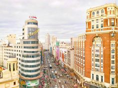 Otra más de la Gran Vía  #vscocam #vsco #madrid #spain #visitspain #igersspain #hallazgosemanal #igers #asusfoto #megustazenfone #architecture #somosinstagramers