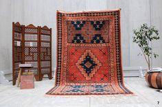 Authentic Soft Berber Rug 5x9 Stunning fabulous Rug Taznakht Teppich Rug Classic Design Prestigious Moroccan Berber OLD Rug BENI OURAIN