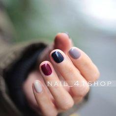 Δεν είναι εύκολο για μια γυναίκα με «σκληρή» καθημερινότητα ν' αφήσει μακριά νύχια. Η κομψότητα και οι πρωτότυπες ιδέες όμως, δεν εξαρτώνται απ' αυτό...