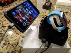 Hands-on: Trident Valet Apple Watch dock is perfect for business travelers | ZDNet - The Mobile Gadgeteer - Mobility