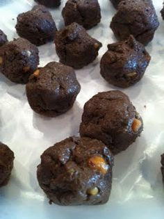 OMG!!! This tastes like a snickers! Made with 4oz heavy cream and 4oz coconut milk instead of Atkins shake. Keto Holley's Chocolate Peanut Butter Balls