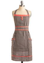Houndstooth Apron. Yes please! Cooking can be so very classy.