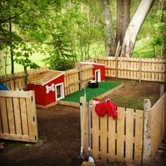 What a creative play area from PALLETS for your pet!!
