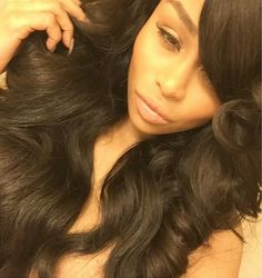 Her hair is laid for the gawds!