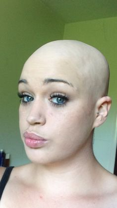 Bald Hairstyles For Women, Long Weave Hairstyles, Hairstyles For Round Faces, Shaved Hair Cuts, Curly Hair Cuts, Curly Hair Styles, Summer Haircuts, Girls Short Haircuts, Short Hair Styles For Round Faces