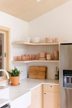Home Tour: A Sun-Drenched Getaway for Lisa & Michael Fine, Co-Founders of Quiet Town - Front + Main Kitchen Dinning, Kitchen Reno, Kitchen Storage, Fixer Upper, Bc Home, Esthetician Room, Master Bedroom Bathroom, Country Style Homes, Interior Photography