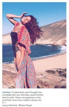 Μαίρη Συνατσάκη  Δείτε την να ποζάρει στην παραλία με το μαγιό της χωρίς  ίχνος μακιγιάζ  3b9a0c7a3a9