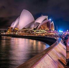 Ayers Rock Australia, Australia Trip, Australia Living, Sydney Australia, Western Australia, Places To Travel, Places To Go, Jorn Utzon, Amazing Places On Earth