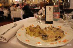 """Cotoletta - """"O que comer em Emilia Romagna: pratos típicos"""" by @Alexandra Aranovich"""