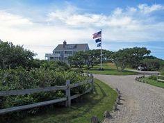Sunny home on 3 acres w/ panoramic ocean views in Nantucket