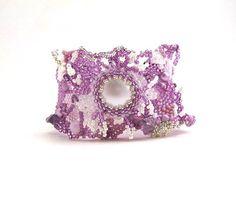 Lavender beaded bracelet, Women's jewelry, Handmade bracelet, Unique bracelet, Beadwork beaded jewelry