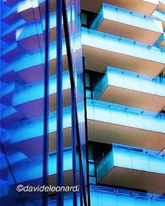 #MilanInSight #milanodaclick #milanodavedere #milanocityofficial #cittadimilano #instamilano #igersmilano #lookingupclub #lookingupatbuildings #archhunter #archilovers #arquitecturamx #architecture #minimal_lookup #tv_pointofview #tv_buildings #volgomilano #visititalia #igersitalia #ic_architecture #ig_milano by davideleonardi