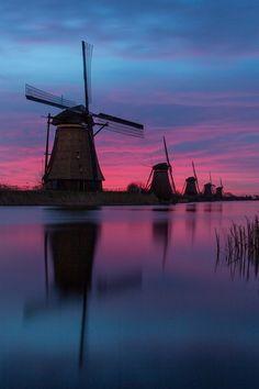 #Windmills - Right before #sunrise - Kinderdijk, the #Netherlands (by Hans Brongers on 500px) http://dennisharper.lnf.com/
