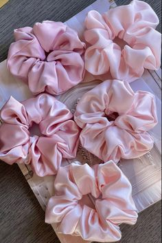 The cutest gift for the bride to be! Or a super thoughtful gift for your bridesmaids or a fun favor for your bachelorette party! Perfect for gifting ! The size of these scrunchies is large It comes in 5 beautiful colors The scrunchies are availabe at etsy shop Our scrunchies are made of 100% satin We sell each scrunchies separately 3,99$ for one scrunchie Bridesmaid Gift Boxes, Bridesmaid Proposal Gifts, Groomsmen Proposal, Ballerina Party Favors, Maid Of Honour Gifts, Oui Oui, Bridal Gifts, Pink Satin, Hair Ties