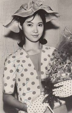 Old Hollywood, Old And New, Bucket Hat, Cinema, Ruffle Blouse, Singer, Japanese, Actresses, Actors