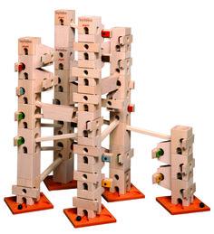 In diesem Kugelbahn-Baukasten sind alle Bauteile und Klangplatten (96 Teile) drin, um die Melodienbahn - Oh, when the Saints - aufzubauen und abzuspielen. Es gibt auch ein Komplett-Set, mit diesem können alle 12 Melodien vollständig aufgebaut werden.